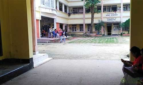 Handique-Girls-Hostel-in-Dighalipukhuri9